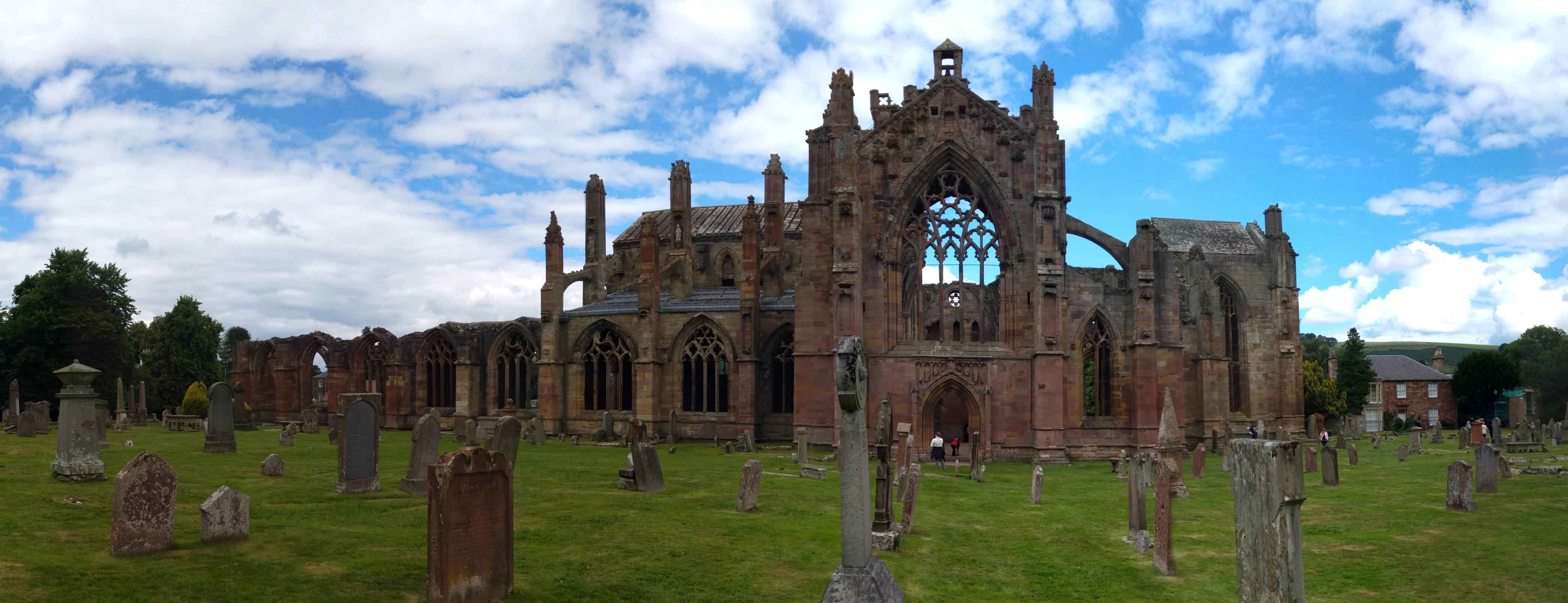 Die berühmte Melrose Abbey.