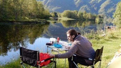 Lone Camping direkt am See.