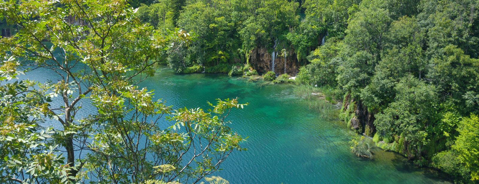 Die Plitvicer Seen - Malerischer Wasserpark mit Froschgebrüll
