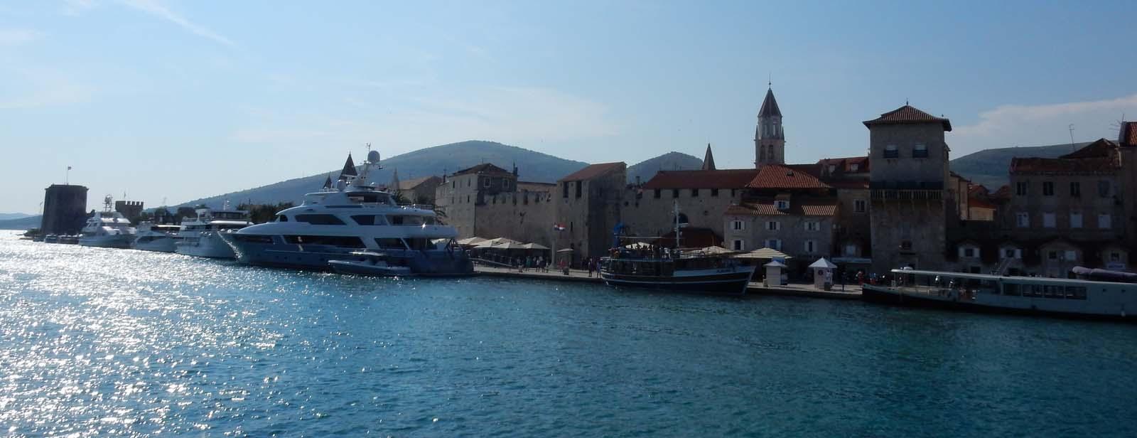Von Plitvice nach Trogir - Über den Krka-Ursprung zum Kiesstrand